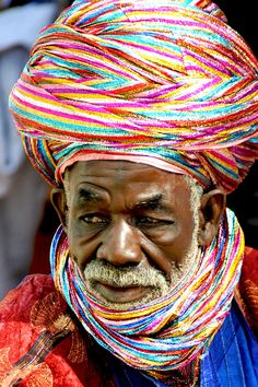 Africa | The Tuareg in Northern Nigeria, like to wear colourful turbans | Susanne Wallershaus . . . . . der Blog für den Gentleman - www.thegentlemanclub.de/blog