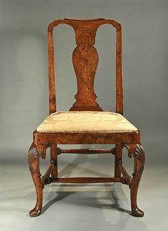 Ordinaire Queen Anne Walnut Side Chair