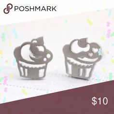 Silver Plated Cupcake Earrings Silver Plated Cupcake Earrings   I also have these in Rose and yellow gold plated! Perfect for any age and great for gifts!!   Your orders are a blessing and I'm grateful for your business! Thanks for stopping, comment so that I can check out closet too:) Jewelry Earrings