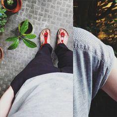 #ootd: #plantgang and me against heat. Love the details of my tee... 😍 . . . #birkenstock #littleblack #capsulewardrobe