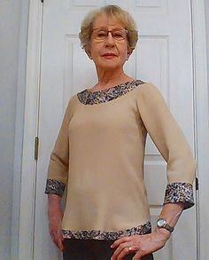 Karel made such a creative take on the #ShorelineBoatneck! She used a rayon for the exposed facings at the neckline and hem as well as the cuffs. #blankslatepatterns