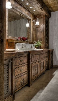 There are not many individuals who are into the rustic farmhouse bathroom design. That may be brought about by the rustic impression from the bathroom. However, this sort of design can be something… Rustic Bathroom Designs, Rustic Bathroom Decor, Rustic Bathrooms, Bathroom Styling, Bathroom Interior, Boho Bathroom, Modern Bathroom, Cabin Bathrooms, Bathroom Sets