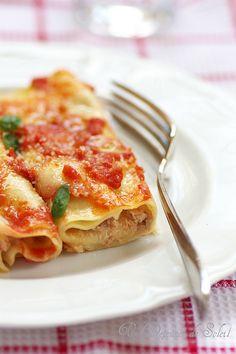 Cannelloni alla Sorrentina (au ragù napolitain, ricotta et mozzarella)