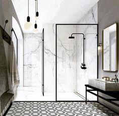 Modern monochrome bathroom designs for showering in style Bad Inspiration, Bathroom Inspiration, Minimalist Bathroom, Modern Bathroom, Bathroom Small, Bathroom Interior Design, Home Interior, Black White Bathrooms, Bathroom Trends
