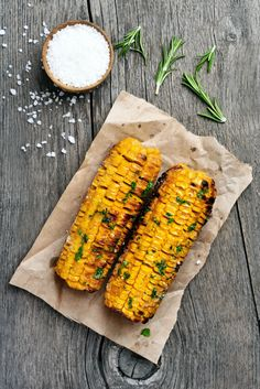 Cookout Side Dish Recipes: Spicy Grilled Corn made with cracked pepper and cayenne. Cookout Side Dishes, Barbecue Side Dishes, Barbecue Recipes, Barbecue Sides, Bbq Ribs, Vegetarian Barbecue, Veggie Bbq, Barbecue Chicken, Vegetable Side Dishes