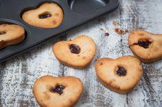 La ricetta del weekend: come fare i muffin con ricotta e fragole.