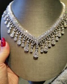 In Need Of Jewelry Information? Read On – Modern Jewelry Royal Jewelry, Luxury Jewelry, Diamond Jewelry, Fine Jewelry, Diamond Necklaces, Diamond Pendant, Gold Jewelry, Jewellery, Unique Jewelry