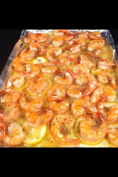 Lemon Butter Shrimp ~ Melt a stick of butter in pan Slice one lemon, layer on top of butter Put down fresh shrimp Sprinkle one pack of dried Italian seasoning Put in the oven and bake at 350 for 15 min Fish Recipes, Seafood Recipes, Great Recipes, Cooking Recipes, Favorite Recipes, Healthy Recipes, Recipies, Healthy Foods, Cajun Cooking