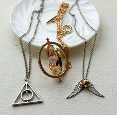 Jewelry For Sale Online Info: 3331554752 Harry Potter Mode, Estilo Harry Potter, Harry Potter Items, Harry Potter Style, Harry Potter Tumblr, Harry Potter Outfits, Harry Potter Pictures, Harry Potter World, Harry Potter Schmuck