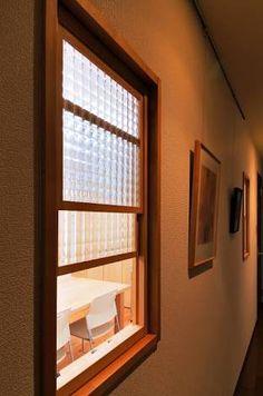 「上げ下げ窓 木製」の画像検索結果