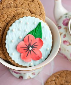 How to make elegant flower cookies