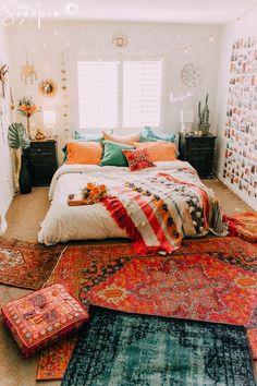 34 super ideas for bedroom wall decor bohemian dorm room Room Decor Bedroom Bedroom Bohemian Decor Dorm Ideas Room super Wall Bohemian Dorm Rooms, Bohemian Bedroom Decor, Boho Room, Room Decor Bedroom, Bedroom Bed, Bedroom Lighting, Bohemian Homes, Hippie Apartment Decor, Hippie House Decor