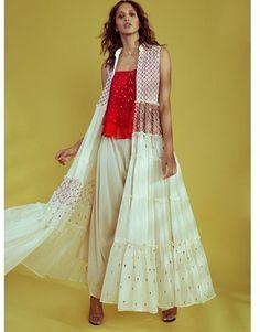 Beautiful Long chiffon jacket with thread embroidery. Abaya Fashion, Indian Fashion, Fashion Dresses, Chiffon Jacket, Chiffon Gown, Western Dresses, Indian Dresses, Indian Attire, Indian Designer Wear