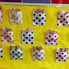 Synonym Sticks - book pockets with synonyms for commonly used words. Encourage students to use stronger words when writing.