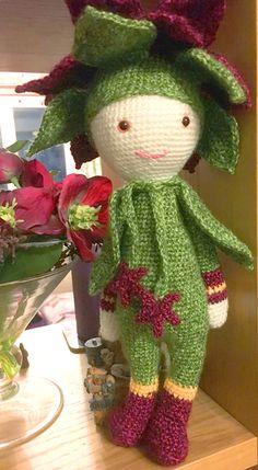 Christmas Star Kris flower doll made by Lucy T - crochet pattern by Zabbez