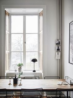 The best home office decor inspirations for your industrial home interior design Dining Room Inspiration, Home Decor Inspiration, Country Look, Swedish House, Scandinavian Home, Home Office Decor, Office Table, Office Ideas, Interiores Design