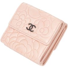 Pre-owned Beautiful Chanel Camellia wallet in pink leather (1.505 BRL) ❤ liked on Polyvore featuring bags, wallets, chanel, accessories, handbags and purses, leather bags, 100 leather wallet, genuine leather bags, preowned bags and real leather bags