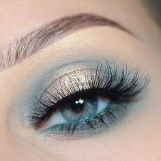 Pin by Lisa Firle on Makeup Looks - schöne und einfache Makeup Looks - Beauty - Make up Tutorials - Lidschatten Tutorials in 2020 Elf Makeup, Makeup Art, Beauty Makeup, Hair Makeup, Makeup Salon, Makeup Studio, Makeup Geek, Makeup Eye Looks, Blue Eye Makeup
