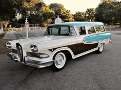 "1958 Edsel Bermuda Wagon The original ""horse collar"" car of the a concept that would have been better off left alone. Photo Vintage, Vintage Cars, Antique Cars, Edsel Ford, Car Ford, Ford Lincoln Mercury, Ford Motor Company, Woody Wagon, Pt Cruiser"