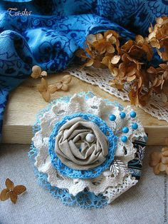 Броши ручной работы. Ярмарка Мастеров - ручная работа Бохо брошь «Бирюзовые сны» цветы из ткани, украшение. Handmade.