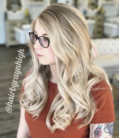#balayage #blondebalayage #blonde #curls #hair #haircolor #hairstyle #blondehair #hairbyraynhigh Blond, Nothing But Pixies, Grey Hair Don't Care, Latest Hair Color, Hair Goals, Color Inspiration, Most Beautiful, Stylists, Colour Trends
