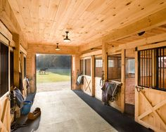 For our barn-Horse Barn Design Ideas, Pictures, Remodel, and Decor - page 5 Barn Stalls, Horse Stalls, Dream Stables, Dream Barn, Barn Layout, Horse Barn Designs, Horse Barn Plans, The Ranch, Farm Barn
