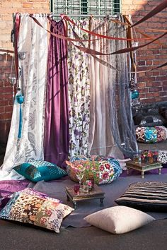 Awesome Wonderful Bohemian Curtain Ideas To Make Your Living Room Awesome The Beautiful Bohemian Curtain Idea is a Bohemian style curtain. Nowadays many people talk about bohemian not only curtains but many more such as bedr… Bohemian Curtains, Diy Curtains, Bedroom Curtains, Window Curtains, Target Curtains, Purple Curtains, Luxury Curtains, Elegant Curtains, Yellow Curtains