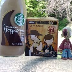 Sitting outside enjoying the breakfast of champions!  #twd #TheWalkingDead #coffee #starbucks #mocha #breakfastofchampions #goodmorning #Funkos #funkomini #twdfunko #oneeyeadventure