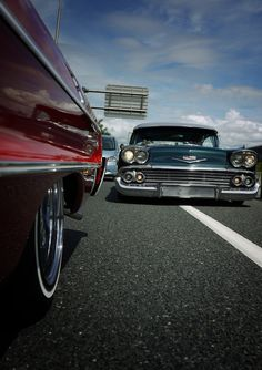 I chose the best classic cars in this photo gallery. The most beautiful classic car photos are waiting for you. These are really great classic cars.
