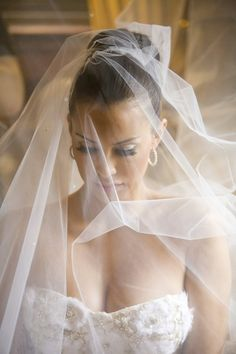 Stunning Bride, False Lashes, Veil, Wedding