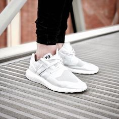 online store 00ee4 4ef0a adidas Y-3 Ultra Boost