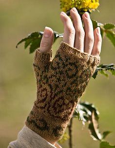 Ravelry: Swirly Gig Fingerless Mitts pattern by Beth Ellis