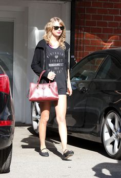 Taylor Swift Street Style - Leaving the Gym - January 2014