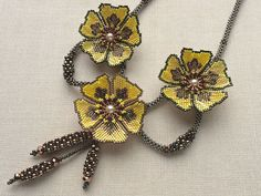 Beaded Jewelry Designs, Bead Jewellery, Seed Bead Jewelry, Seed Bead Necklace, Seed Bead Flowers, Beaded Flowers, Flower Patterns, Beading Patterns, Seed Bead Art