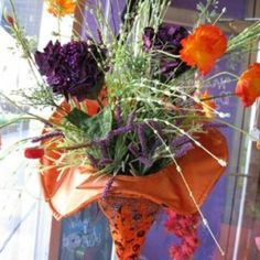 Nice way to display flowers- perfect for a witch tea party