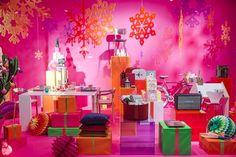 Los escaparates de las tiendas se ponen sus mejores galas navideñas - Marketing Directo