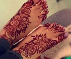 50 Colourful Henna And Mehndi Designs You Must Try Modern Henna Designs, Mehndi Designs Book, Mehndi Designs For Girls, Mehndi Designs For Beginners, New Bridal Mehndi Designs, Beautiful Henna Designs, Mehndi Designs For Fingers, Dulhan Mehndi Designs, Latest Mehndi Designs