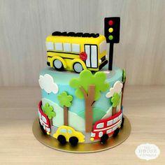 Little boy cakes, transportation birthday, bithday cake, sugar cake, first birt Bithday Cake, Baby Birthday Cakes, 1st Boy Birthday, Little Boy Cakes, Cakes For Boys, School Bus Cake, Cake Designs For Kids, Sugar Cake, New Cake