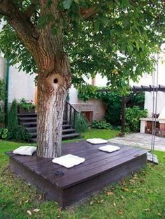 26 of The Worlds Best Outside Seating Ideas Design by Up-Cycling Items in DIY Projects homesthetics diy outdoor seating ideas Backyard Seating, Outdoor Seating, Backyard Landscaping, Outdoor Decor, Extra Seating, Garden Seating, Inexpensive Landscaping, Yard Benches, Outside Seating Area