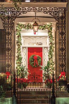 Christmas Tabletop, Christmas Greenery, Christmas Scenes, Christmas Tree Decorations, Merry Christmas To You, Christmas Holidays, White Christmas, Christmas Ideas, Xmas