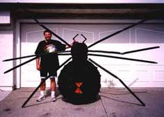 giant spider on house roof | Giant Lightweight Black Widow Spider Halloween Prop How-To