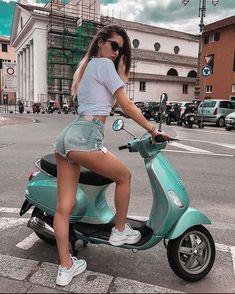Piaggio Vespa, Lambretta Scooter, Vespa Scooters, Mod Scooter, Scooter Motorcycle, Vespa Girl, Scooter Girl, Biker Chick, Biker Girl
