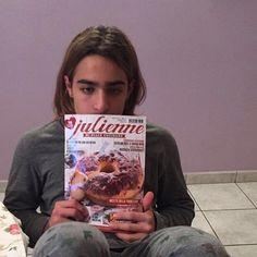 Eh sì, domani è proprio lunedì... Per fortuna c'è ancora tutta la serata per rilassarsi e leggere Julienne...