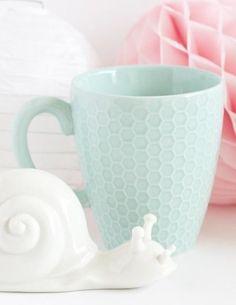 pretty textured mug  http://rstyle.me/n/p3aeipdpe