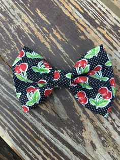 Hair Bow Retro Black & Red Cherries Fabric Hair Bow Girls Hair Bow Toddler Hair … - All For Hairstyles Toddler Hair Bows, Girl Hair Bows, Flower Girl Hairstyles, Retro Hairstyles, Bow Baby Shower, Baby Shower Gifts, Fabric Hair Bows, Baby Hair Clips, Boutique Hair Bows