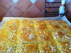 Kauraleipä, sämpyläruudut. Tästä ei leivänteko enää voi helpottua eikä maku juuri parantua. Pidä nämä ainekset aina varalla kotona odottamassa. Savory Pastry, Savoury Baking, Healthy Baking, Bread Baking, Empanadas, I Love Food, Good Food, Finnish Recipes, Fodmap Recipes