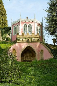 Rococo and picturesque style house and gardens, Painswick, Gloucestershire, England English Garden Design, Formal Gardens, Pink Houses, Garden Structures, Architecture Details, Beautiful Gardens, Gazebo, Beautiful Places, Cottage