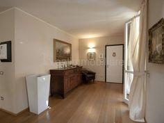 Desio, centro, in esclusiva residenza d'epoca con ampio parco condominiale di c.a 3.000 Mq., finemen...
