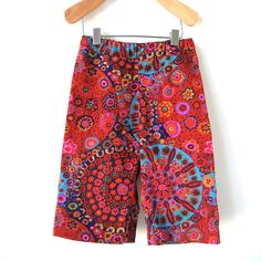 Great pants for toddlers to be independent with.  Love simplicity for the child as well as the super cute pattern!