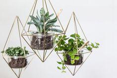 DIY Upcycle pour recycler ses pots de yaourt en verre et leur donner une seconde vie en créant une suspension green tendance